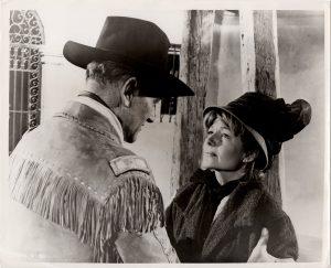 circus world US Still with John Wayn and Rita Hayworth (2)
